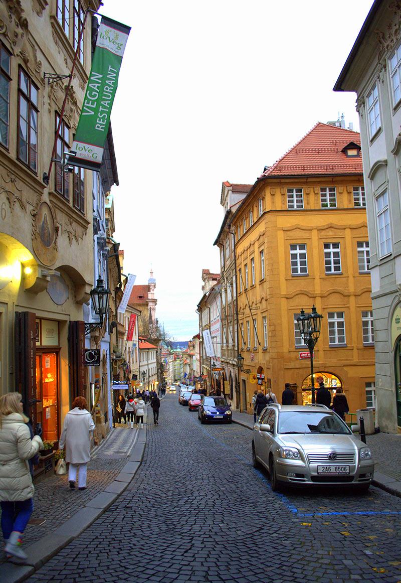 Где лучше остановиться в Праге Чехия  советы
